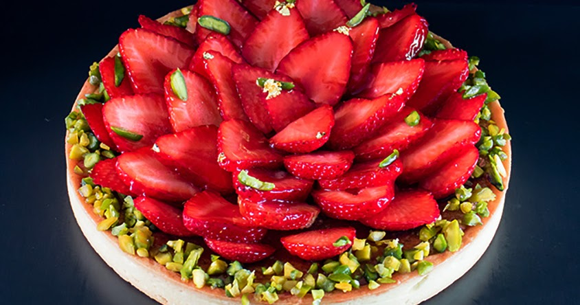 dailydelicious: Strawberry Pistachio Tart: beautiful tart with less ...