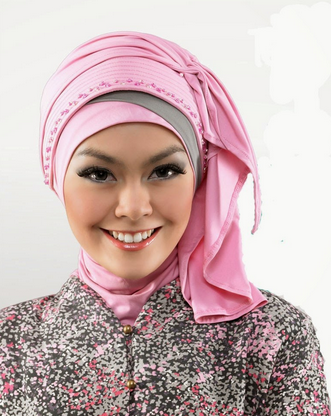 "<img src=""http://tipshijaber.blogspot.com"" alt=""Model Kerudung untuk Kebaya Populer""/>"