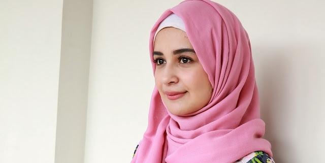 Begini Cerita Shireen Sungkar Saat Suaminya Dapat Undangan Haji dari Raja Salman