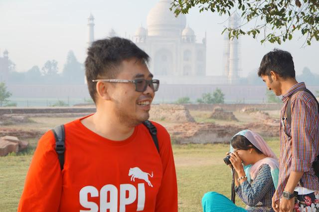 Tukang Jalan Jajan, Alva dan Patel di mehtab Bagh