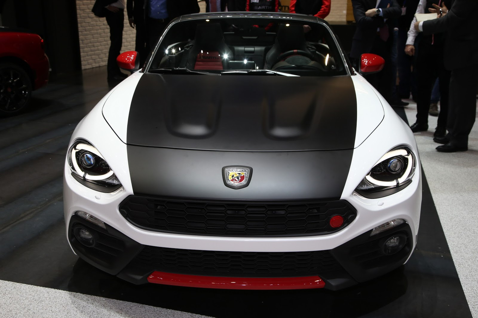 us spec fiat 124 spider elaborazione abarth is coming to ny. Black Bedroom Furniture Sets. Home Design Ideas