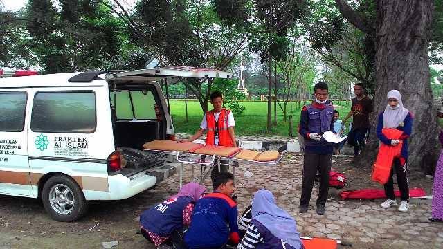 KSR PMI Unsyiah Gelar Simulasi Kecelakaan Jalan Raya