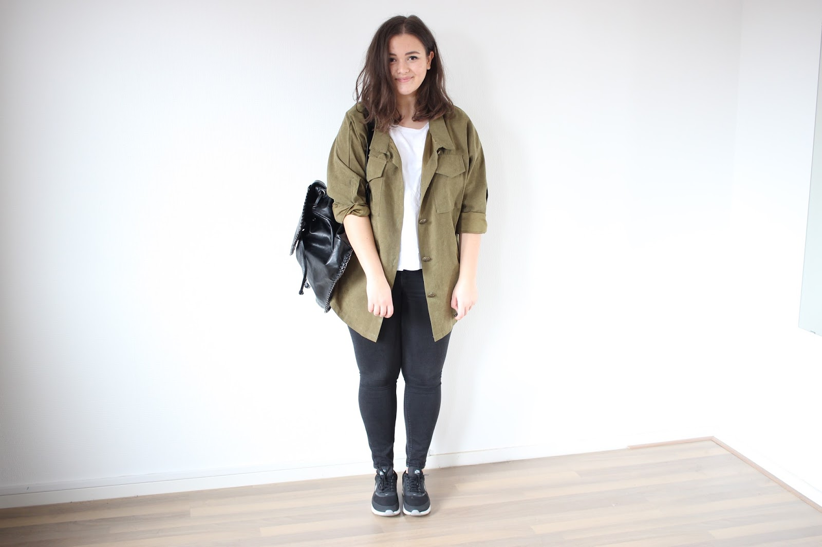 nike air max thea beige outfit