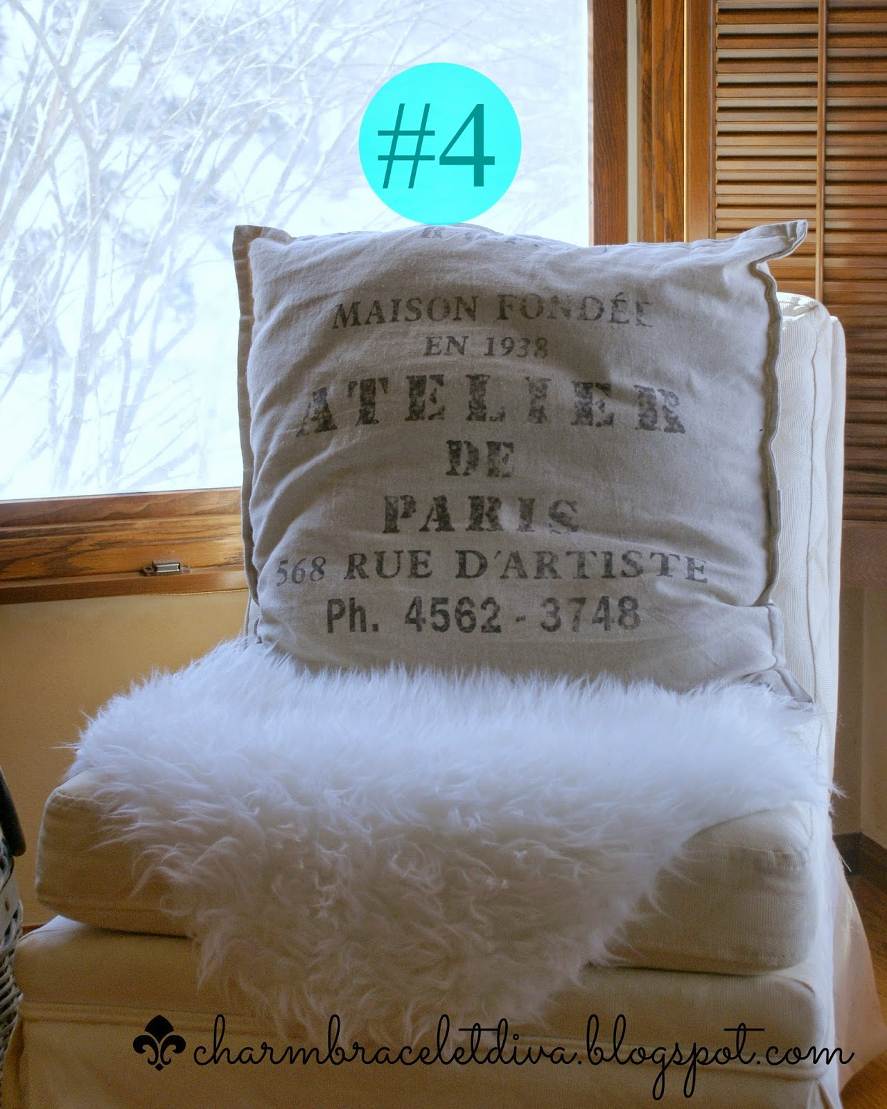 Atelier de Paris pillow