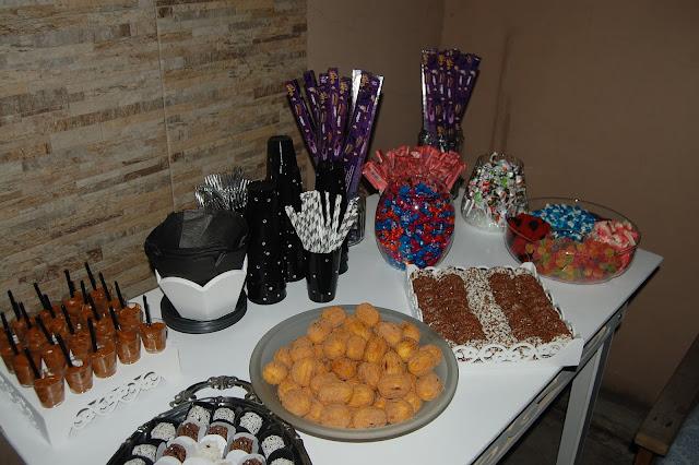 Mesa de guloseimas, festa tema estrela, decoração