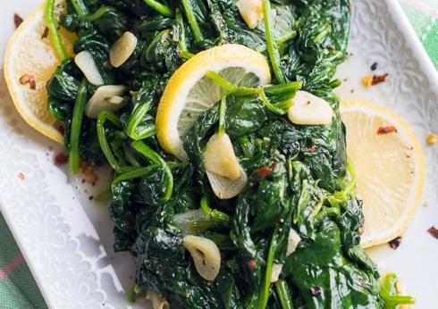 Simply Amazing Lemon Garlic Spinach #vegan #recipevegetarian
