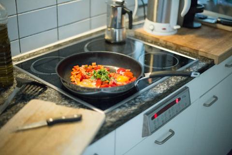 Tidak ada salahnya laki-laki belajar masak