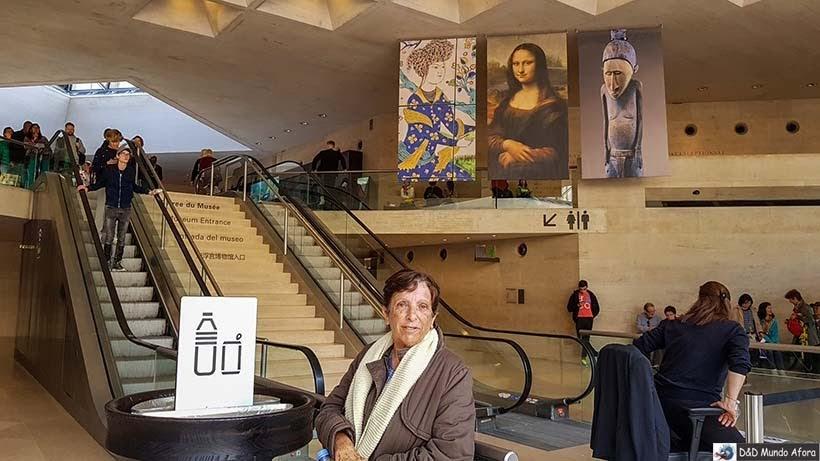 Saguão principal do Louvre - Louvre sem fila: como visitar o museu em Paris