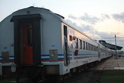 Pengalaman Naik Kereta Api Ekonomi Bengawan di Stasiun Pasar Senen