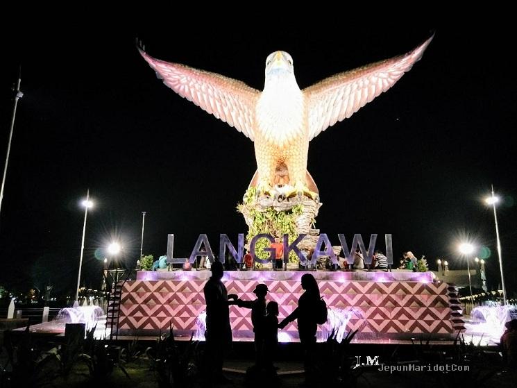 Langkawi Trip - cara ambil gambar yang cantik di Dataran Lang
