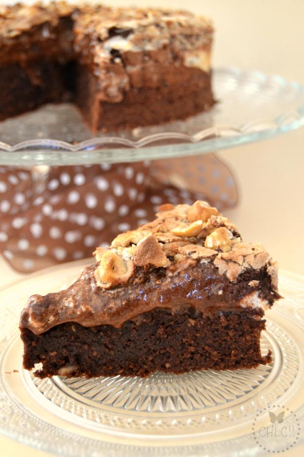 pastel-de-chocolate-avellanas-y-merengue