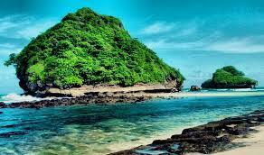 pesona pantai Goa Cina Malang