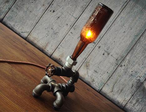 lampu duduk dari pipa dan botol bekas