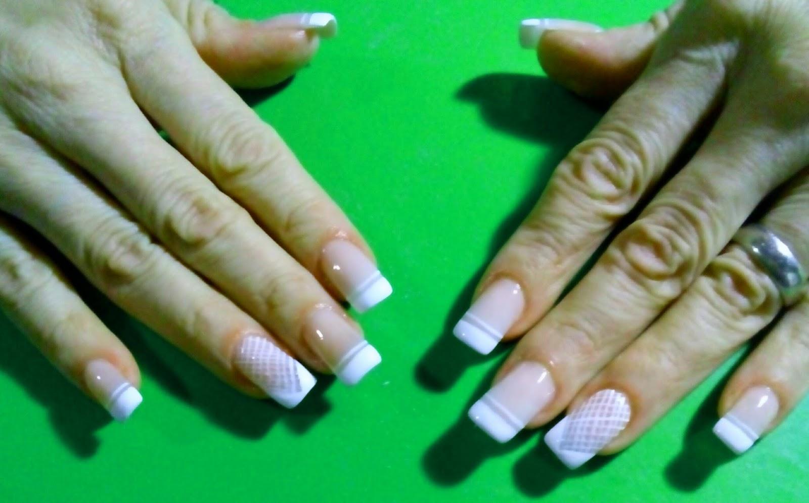 lucelindasmanos: Retoque de uñas Acrílicas y diseño