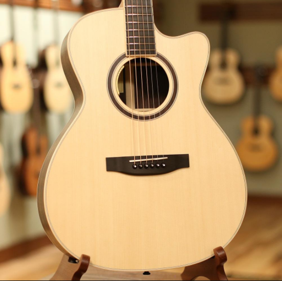 Lakewood Guitars Sungha Jung Signature