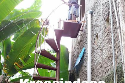 Tangga Putar Pemasangan di Jl Palakali Belakang UI