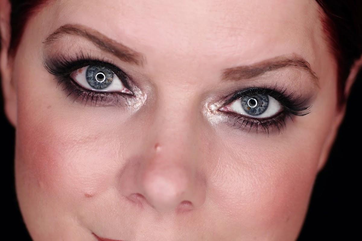 Dunkle Augen Dark Eyes