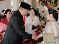 Cuman Jokowi Yang Bisa Membuat SBY dan Megawati Bersalaman