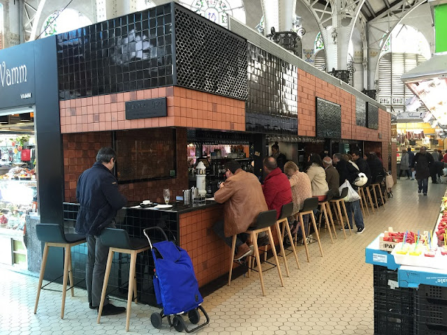 Central bar by Ricard Camarena en el Mercado Central de Valencia