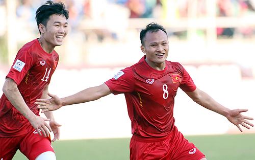 Trọng Hoàng đã chơi rất xuất sắc ở trận ra quân V-League 2015.
