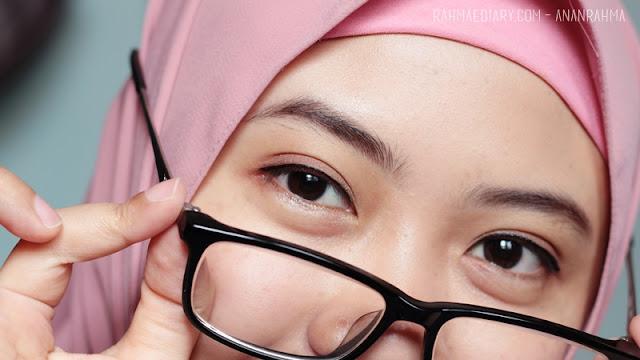 Jacquelle Invisible Eyelid Honey Lace