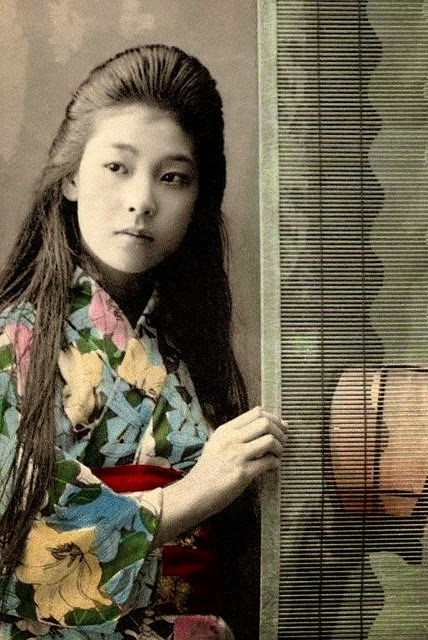 vintage everyday: Old Portraits of Maiko and Geisha with ...