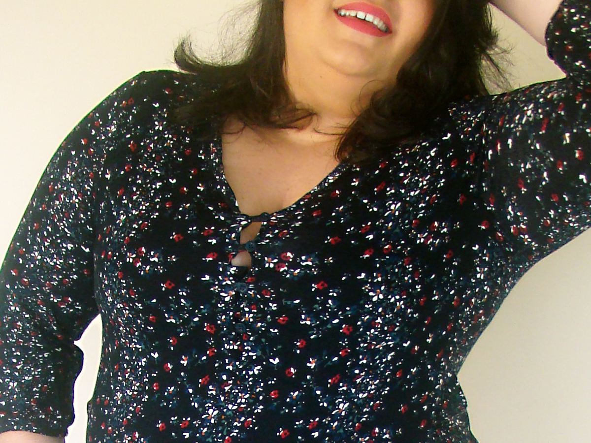 look plus size macaquinho estampa floral primavera moda gorda gordinha ootd curve blogueira fashion estilo curvy girl