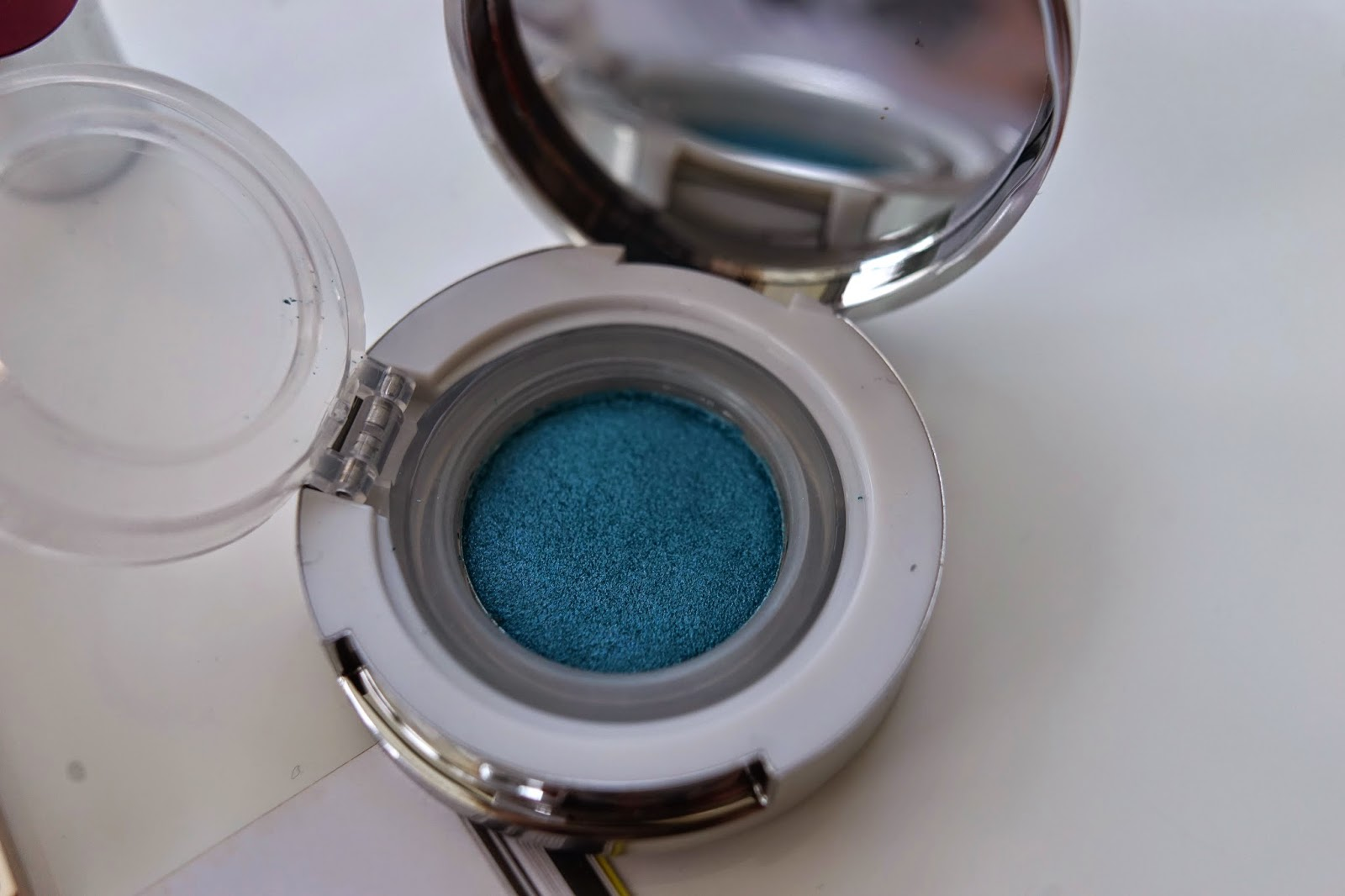 Kiko cool touch eye shadow