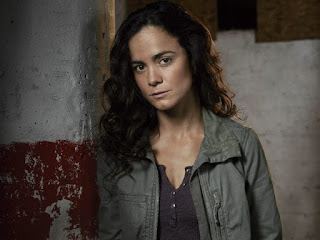 Review of queen of the south season 3 episode 13