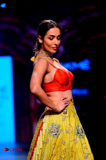 Bollywood Actress Malaika Arora Khan Walks on Ramp at LFW Summer 2017  0012.jpg