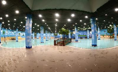 Bể bơi bốn mùa Times City
