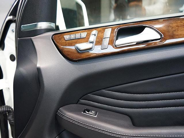 Mercedes GLE 400 4MATIC Coupe sử dụng ghế lái chỉnh điện