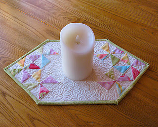 Pinwheel table topper tutorial