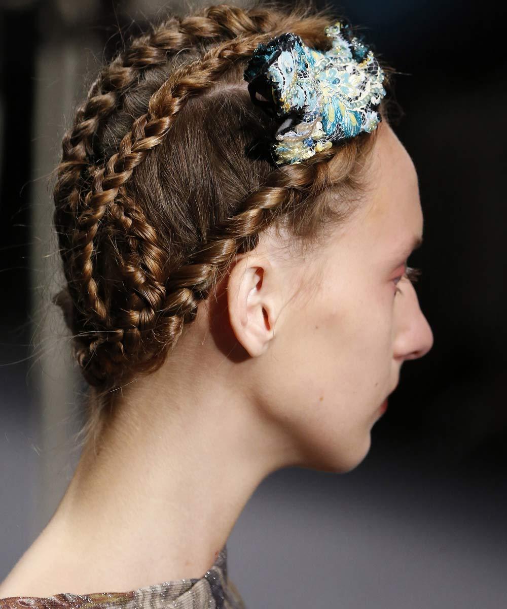 Sencillo y bonito peinados de moda Fotos de los cortes de pelo de las tendencias - La moda en tu cabello: Lindos peinados con trenzas /2018