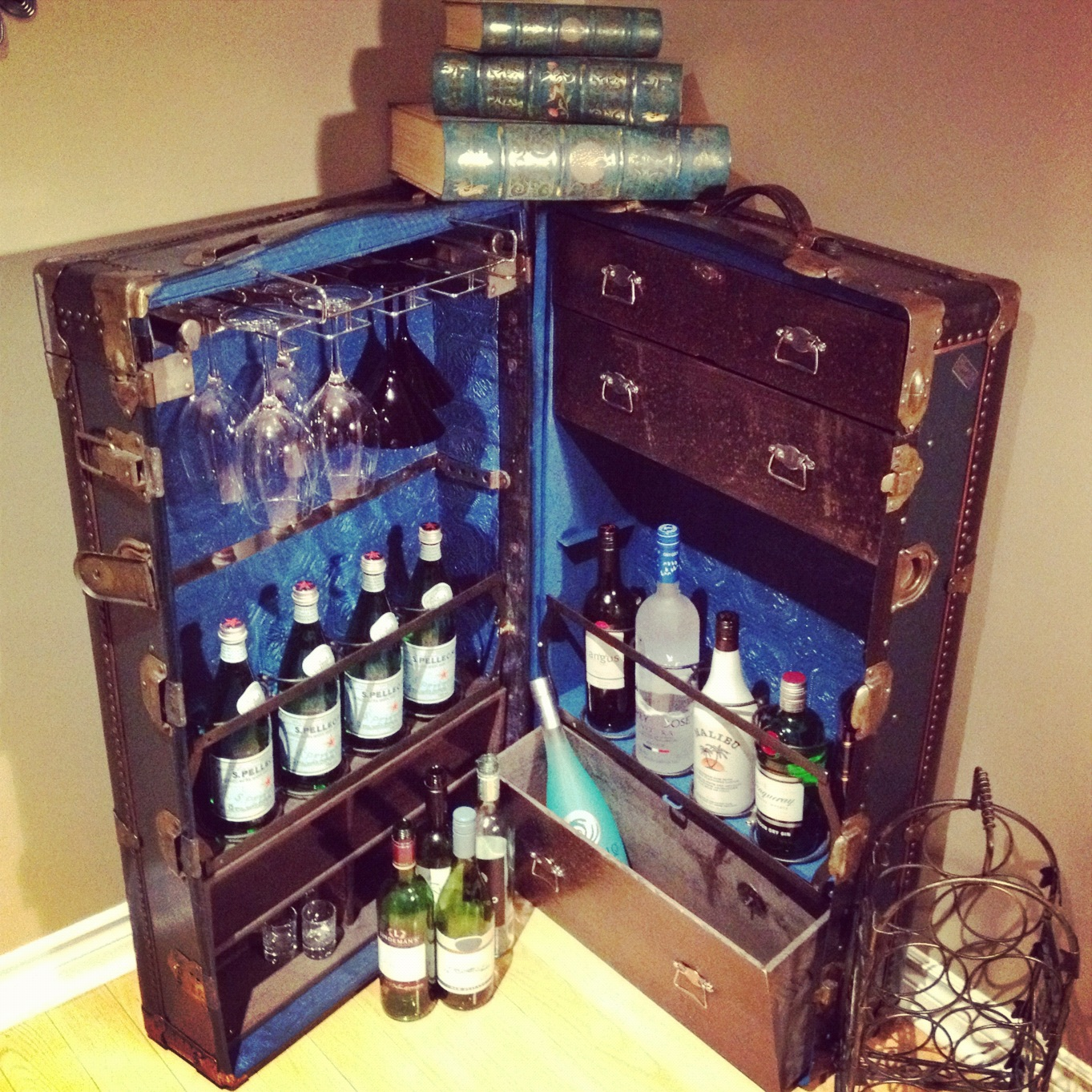 Diy Steamer Trunk Bar In The Mix