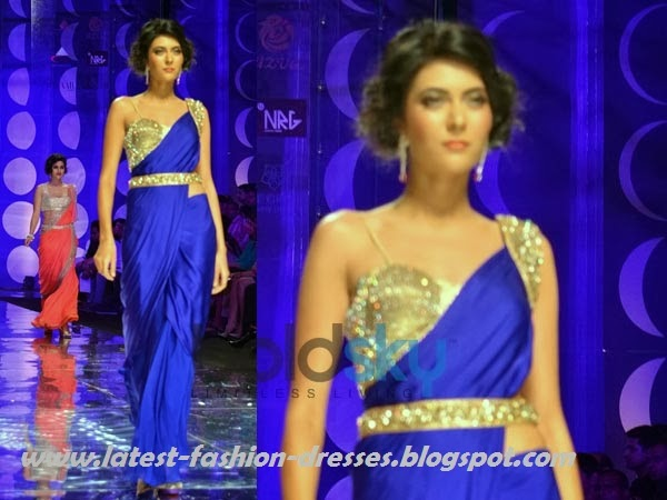 model in blue colour style saree fashion week