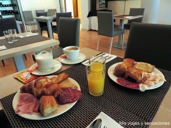 Desayuno buffet, Hotel Nagusi, Murguía, Alava