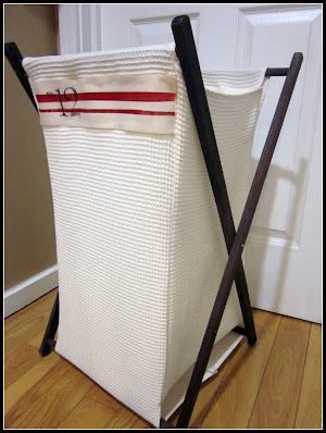 folding laundry hamper with grain stripes