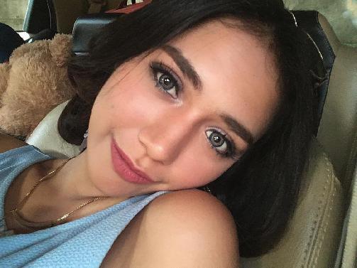 Fakta Raquel Katie Larkin Harus Anda Ketahui [Artis Indonesia Hot]