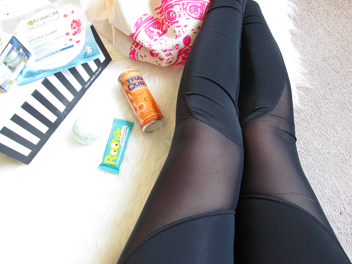 "Unboxing: La Petite Box Januar - ""Well Being"" - Yoga Pants, Fashion, Fitness"