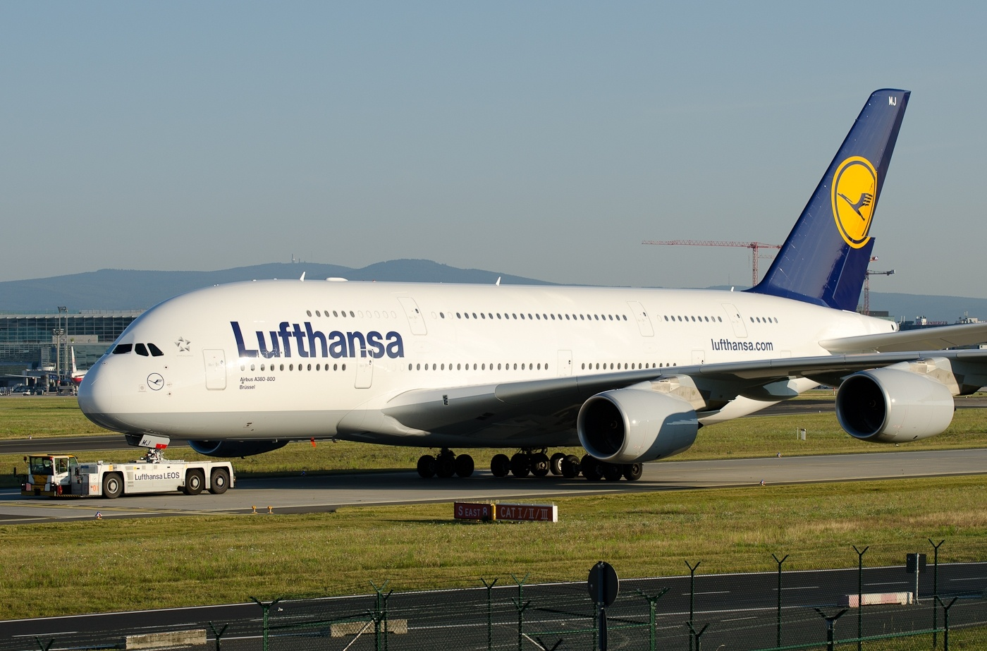 airbus a380 800 lufthansa towed by leos aircraft wallpaper galleries. Black Bedroom Furniture Sets. Home Design Ideas