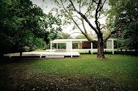 http://atecarturo.com/2015/10/la-casa-farnsworth-mies-van-der-rhoe.html