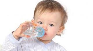 hidratar o bebe para aliviar a tosse