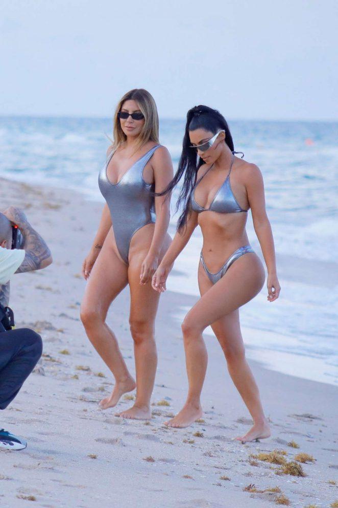 Kim Kardashian Hot Bikini Pictures