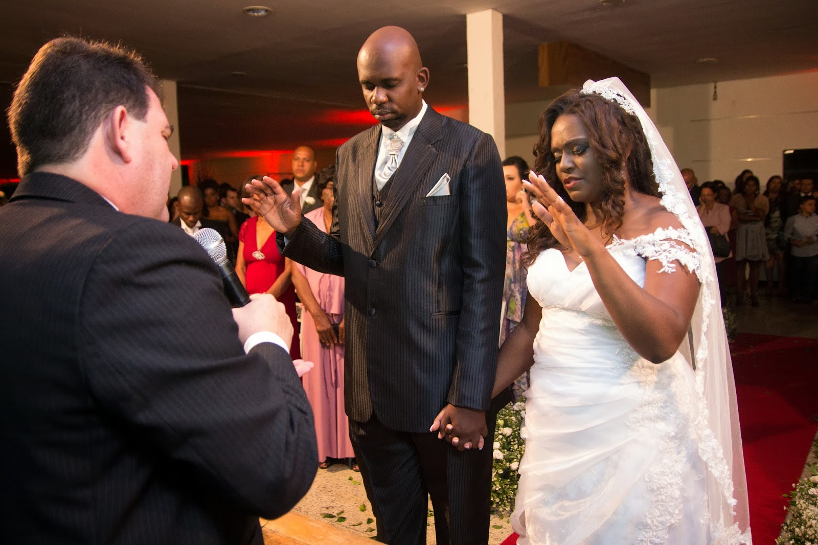 historia-amor-fe-cerimonia-noivos-bencao-1
