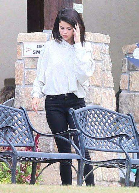 Revelan fotos de Selena Gomez internada en rehabilitación