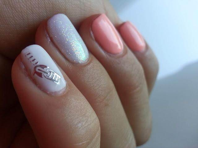Wiosna z pastelami na paznokciach    Pastelowy manicure