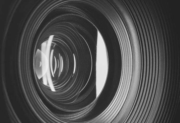 Perbedaan Parfocal dan Varifocal Pada Lensa Zoom