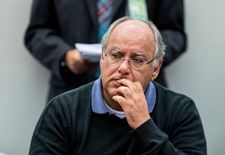 Renato Duque negocia delação e vai citar Lula, Dilma e o PT