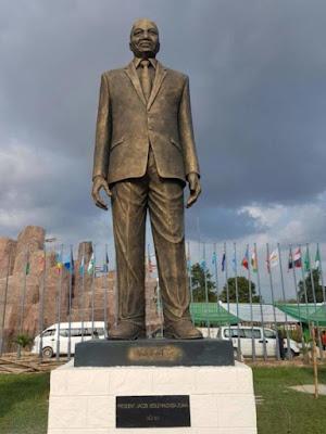 photo-of-zuma-statue